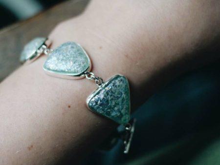 2019-Roman-Glass-Toggle-Bracelet