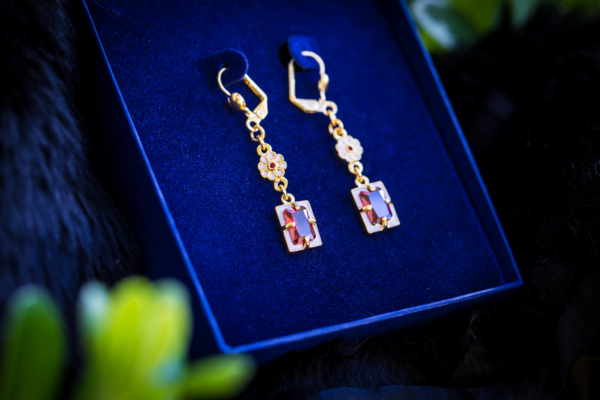 Elizabethan Garnet Earrings Cheapside Hoard